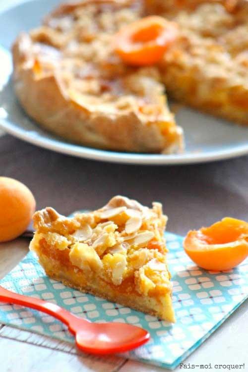 tarte-croustillante-abricot-amandes-effilées